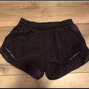 lululemon hotty hot shorts (tall)
